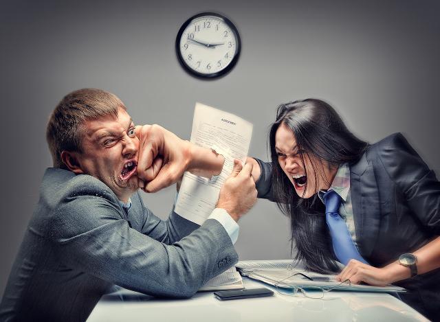 2. Un coniuge può opporsi alla separazione o al divorzio e le cause durano all'infinito