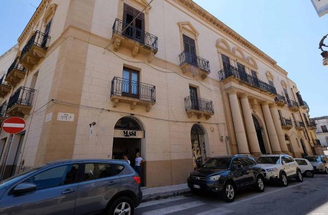 Palazzo Lazzarini, Sciacca