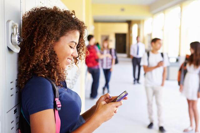 Il 'linguaggio' adottato via smartphone è invece comune per tutti i rappresentanti della GenZ...