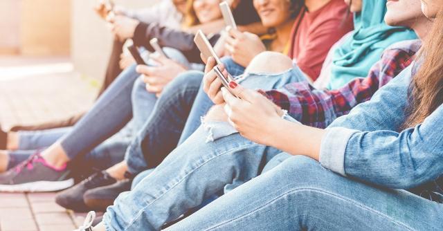 Come è facile immaginare, lo smartphone diventa protagonista assoluto durante il tempo libero...