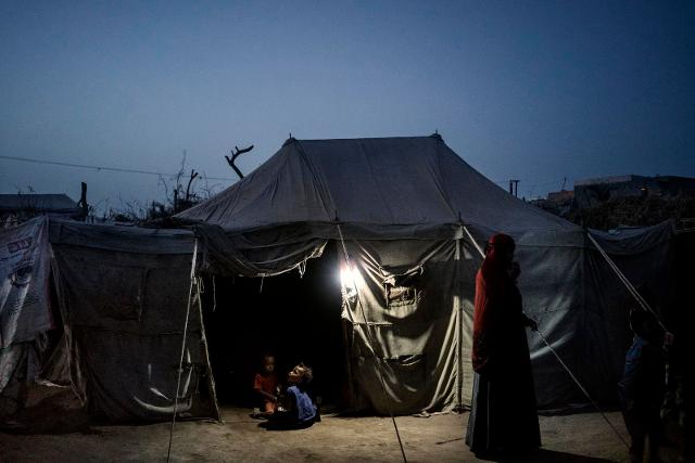 """""""Yemen Crisis"""" ph. © Lorenzo Tugnoli"""