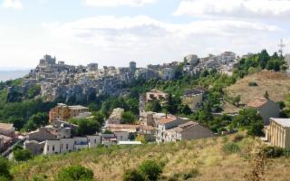 Petralia Soprana e ''Il Borgo più bello d'Italia in uno scatto''