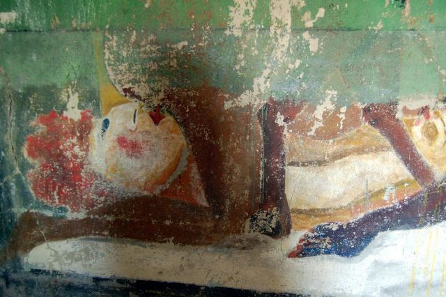 Uno dei tanti affreschi all'interno dell'Abbazia di Thélema a Cefalù - La Madre Terra