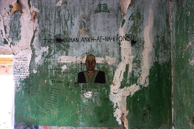 Uno dei tanti affreschi all'interno dell'Abbazia di Thélema a Cefalù