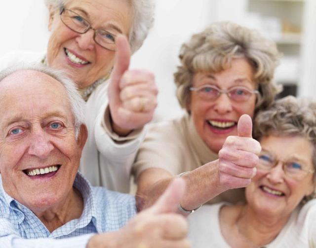 """Al settimo posto nella classifica delle persone che i vacanzieri italiani non vorrebbero incontrare ci sono """"gruppi di anziani""""..."""