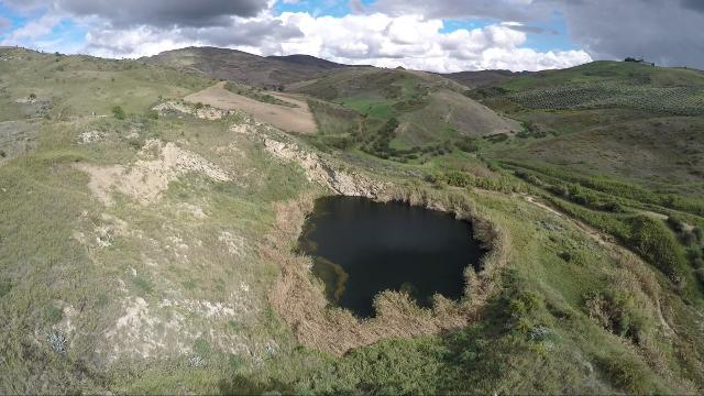 Area della Riserva di Lago Sfondato - www.itinerarinisseni.it