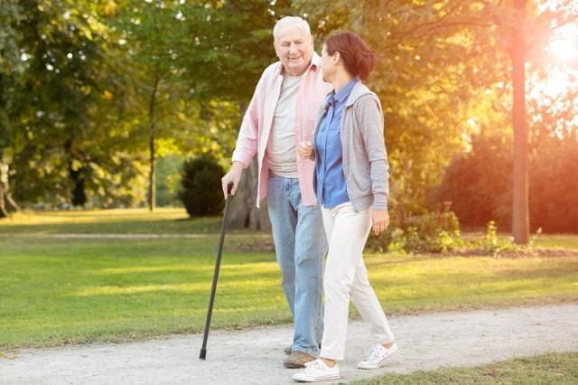 Tra i modulatori dell'invecchiamento precoce grande importanza rivestono sicuramente la nutrizione e lo stile di vita, ai quali si correlano la prevenzione, l'instaurarsi o l'aggravarsi di diverse patologie, soprattutto nel soggetto anziano.