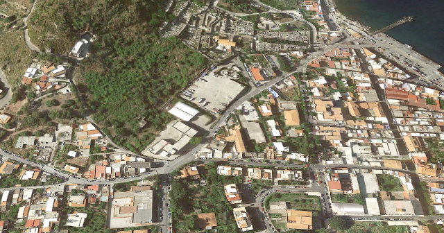 L'Istituto Santa Lucia di Lipari visto dallo spazio (Google Maps)