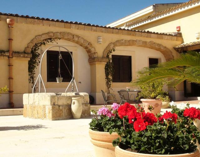 Antica Masseria Hotel La Corte del Sole