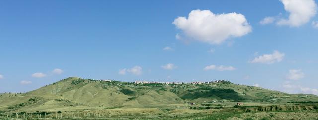 Veduta di Niscemi dalla piana di Gela - ph Alessandro Federico