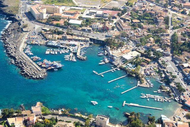 Il porto di Ognina, Catania