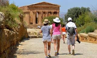 In Sicilia il lavoro nel turismo c'è, ma…
