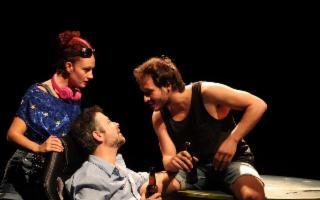 ''E la nave va'' spettacolo di Diogo Liberano