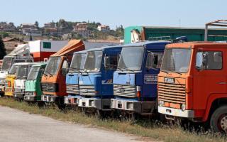 In Sicilia sono ancora tanti gli autocarri molto vecchi in circolazione...