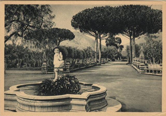 Cartolina storica del viale del giardino di Villa San Cataldo