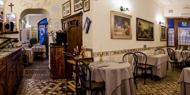 """""""La casa del brodo"""" di Palermo"""