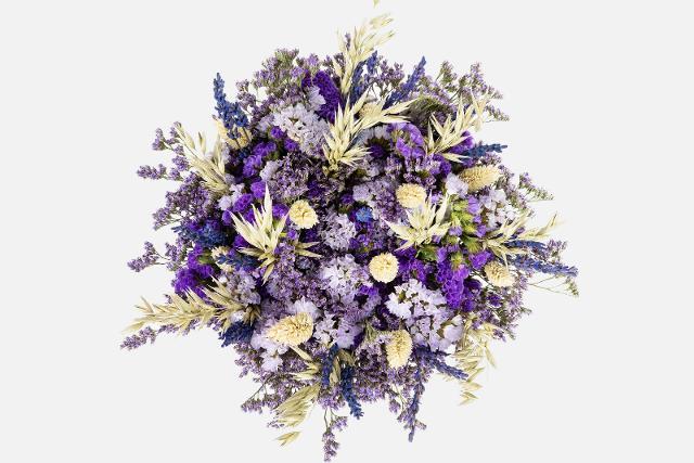 """Il bouquet Colvin """"Purple Papaya"""" della collezione Eternally Fresh"""
