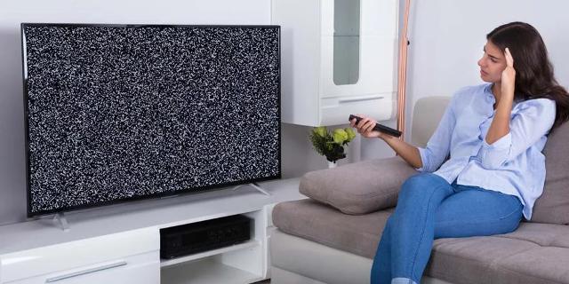 Dal 30 luglio 2022, se si vorrà ricevere il segnale Tv, occorrerà avere un televisore e decoder di ultima generazione, con tecnologia Dvb-T2