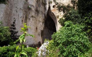 Invito al viaggio verso l'Orecchio di Dioniso, tra le grotte più spettacolari del mondo