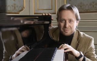 Il talentuoso pianista Roberto Prosseda a Palermo per Amici della Musica