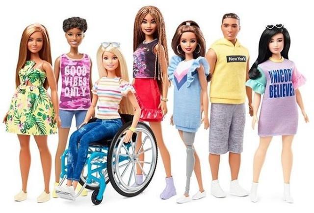Barbie, vanta una nuova collezione composta da differenti personaggi che rispecchiano diverse realtà (incluse le disabilità fisiche).