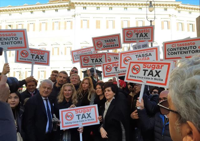 Sugar e plastic tax, la Sibeg protesta davanti a Montecitorio