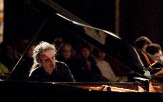 Il pianoforte di Fabio Romano chiude la stagione 2019 degli Amici della Musica