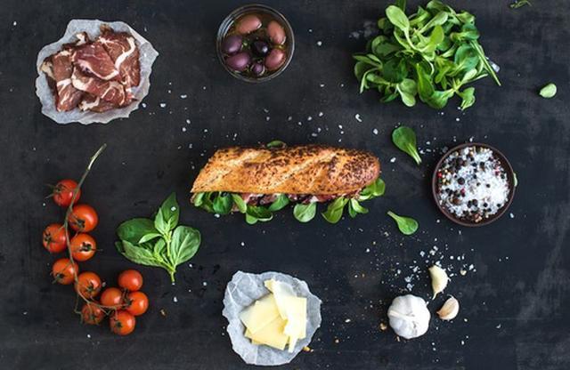 La dieta dissociata, ad esempio, può causare disturbi al metabolismo e problemi al fegato...