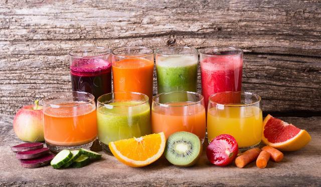 Le spremute di frutta sono un vero toccasana ma va ricordato che un succo di frutta o spremute pastorizzate a lunga conservazione, ma anche i frullati industriali, non possono sostituire la frutta fresca...