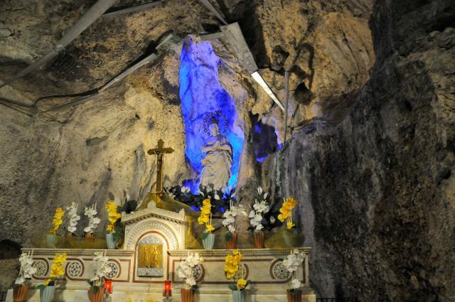 Grotta di Santa Rosalia all'interno del Santuario