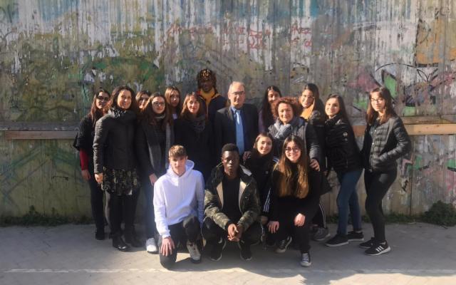 I giovani dell'Istituto Regina Margherita di Palermo ricordano la Shoah