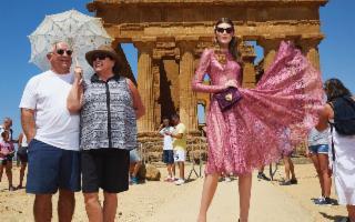 Dolce&Gabbana scelgono ancora la Valle dei Templi