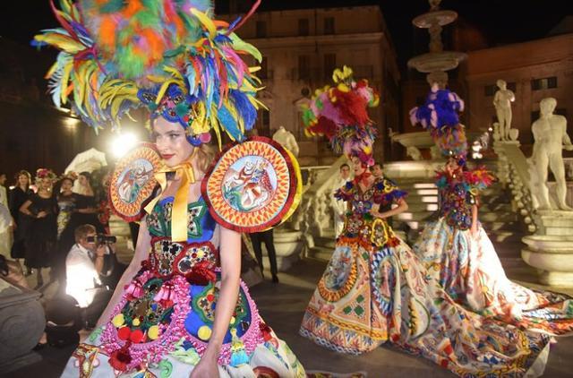 Sfilata di Dolce & Gabbana a Piazza Pretoria, a Palermo