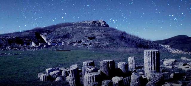 Le rovine dell'area archeologica di Monte Jato
