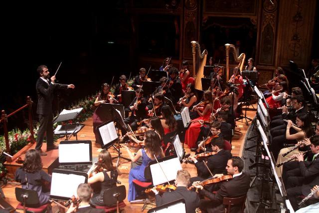 Omer Meir Wellber dirige la Massimo Kids Orchestra © Franco Lannino