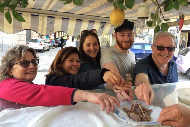 """L'esperienza """"Tour a piedi a Palermo con assaggio di street food"""" è tra le top ten dei Travelers' Choice® Experiences di TripAdvisor per l'anno 2019"""