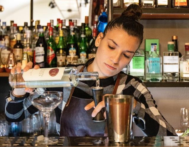 Vanessa Vecchio, proprietaria e bartender di Oliva.co di Catania
