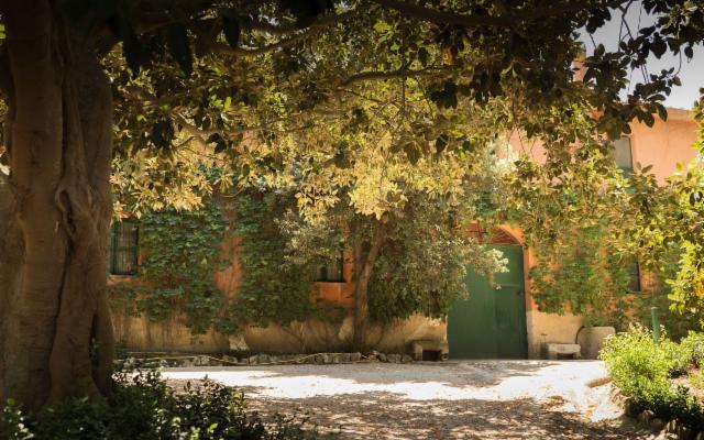 Alla Masseria Pernice la creazione artistica procede al ritmo delle stagioni