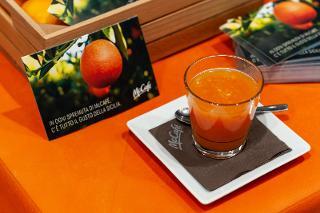 L'Arancia Rossa di Sicilia IGP torna nei McCafé di McDonald's