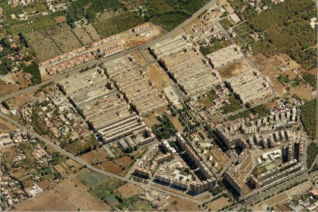 Il quartiere dello Zen, progettato da Vittorio Gregotti, visto dall'alto