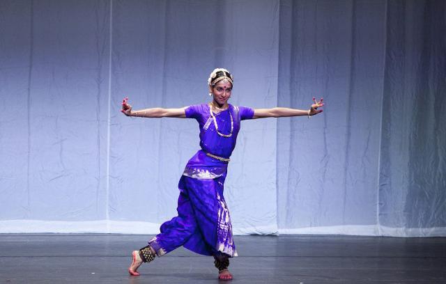 per-la-stagione-del-teatro-biondo-di-palermo-va-in-scena-swayambhu-il-calendario-fa-riferimento-ad-eventi-che-si-terranno-dopo-il-13-aprile