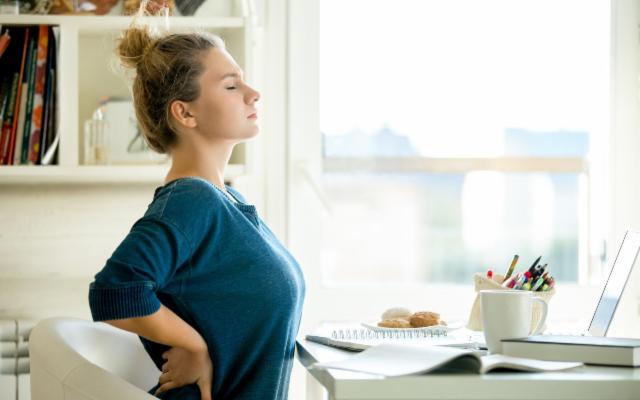 Smart working e mal di schiena… Ci vuole la fisioterapia