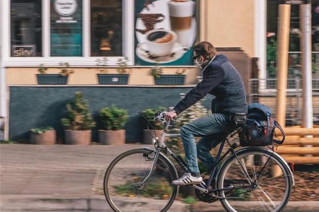 Risolto il problema degli spostamenti durante la Fase 2: si va tutti in bici!