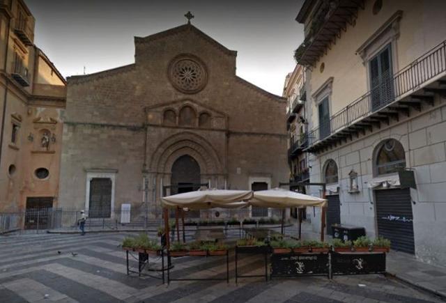 Centro Storico di Palermo, Piazza San Francesco