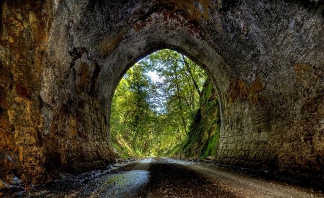 Galleria dell'ex percorso ferroviario di Ficuzza