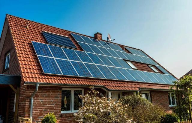 Le bufale sull'energia solare smontate una a una