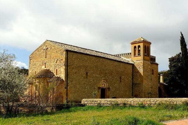 La lunga storia dell'elisir d'erbe nato nell'abbazia di Santo Spirito a Caltanissetta