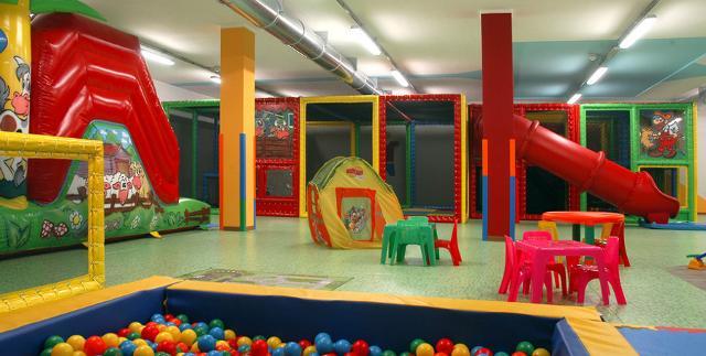 Aree giochi per bambini:  è importante la riorganizzazione degli spazi.