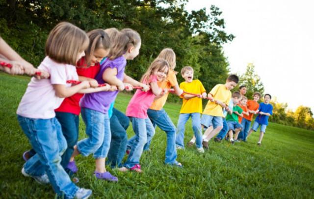 """Campi estivi: sarà necessario favorire la composizione di gruppi di bambini il più possibile stabile nel tempo, evitando """"intersezioni"""" tra gruppi diversi."""