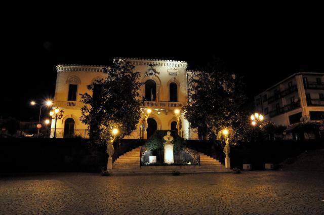 Palazzo municipale di Zafferana Etnea - ph Ask@Net